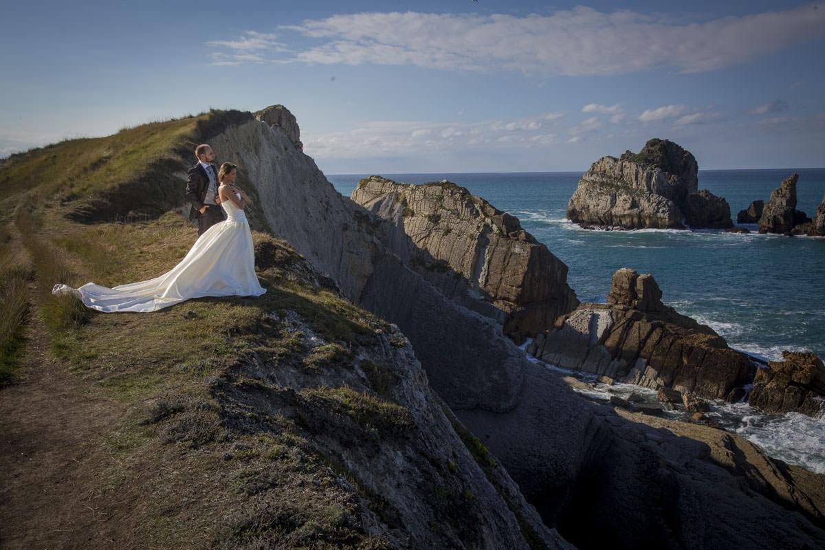 Folleto explicativo en un estudio sobre cuanto cobra fotografos boda